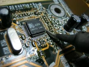 Микросхемы и оборудование для пайки